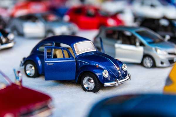 Pension review blue car